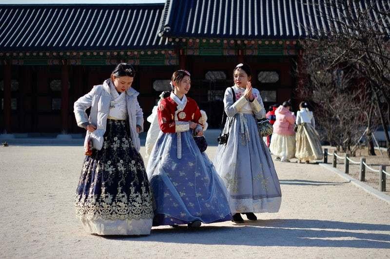 Hanbok - Studytrip.com